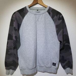 Southpole Crew Neck Sweatshirt w/ Camo Sleeves